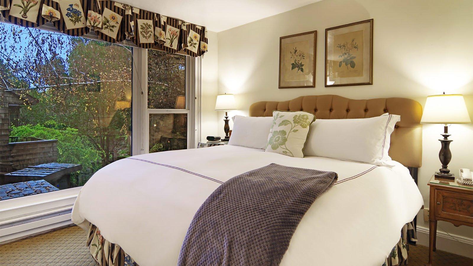 Santa Cruz Guest Room