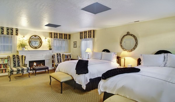 Hotel And Guest Rooms Santa Cruz Ca Babbling Brook Inn