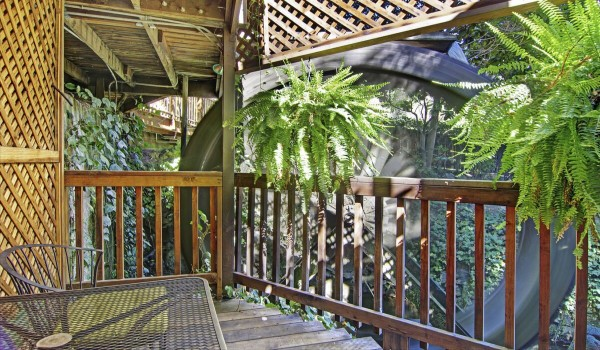 Fern Grotto Private Deck