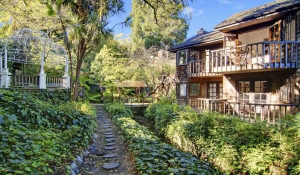 Babbling Brook Inn - Babbling Brook Gardens